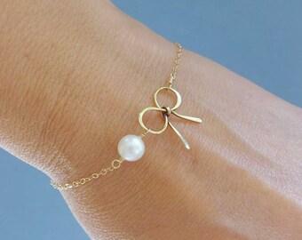 Gold Bow bracelet, Tie the knot jewelry, Gold Bow jewelry, Knot bracelet,Bridesmaid gift, friendship bracelet, silver pearl bracelet