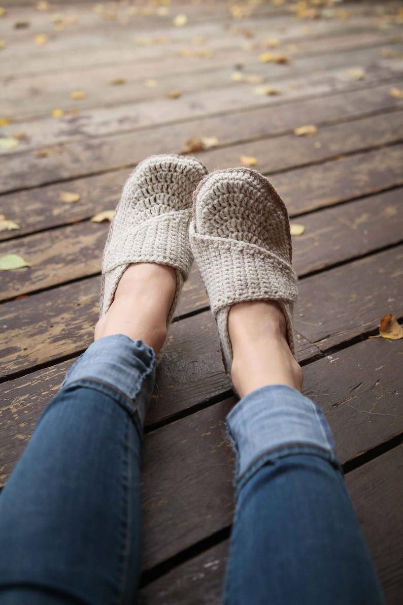 Crochet Pattern  Adult Little Wrap Slippers image 0