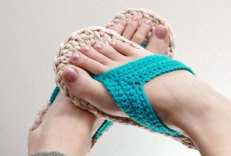 Crochet Pattern  Flip Flops Child to Adult sizes 3-10 image 0