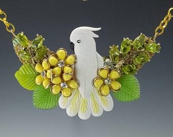 Umbrella Cockatoo Designer Necklace Set