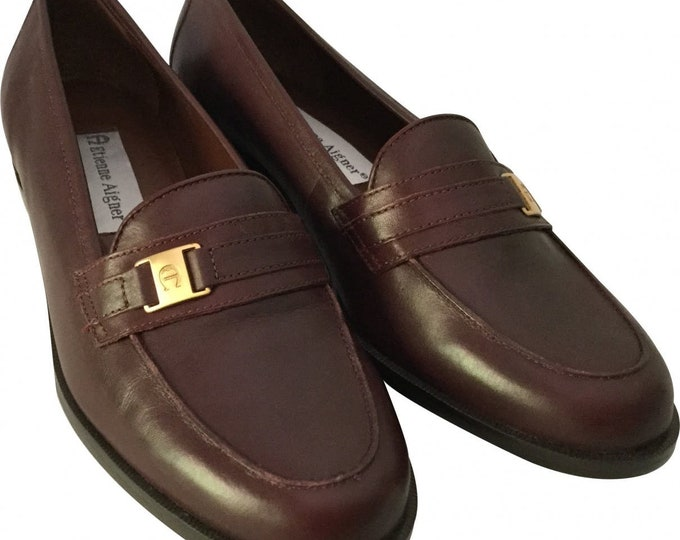 Vintage Etienne Aigner Shoes Like New Signature Brown Leather Loafers Flat Perfect For Fall Pristine
