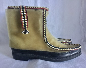 1ec4c797e13e2 1960s Jeva Gayar Mohair Faux Seal Mukluks Mid Century Winter Boots Womens 8  Made In France
