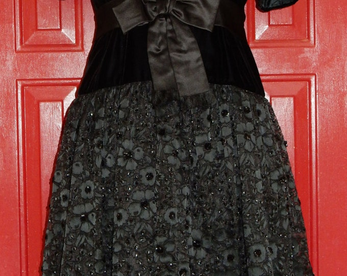 Vintage Victoria Royal Black Lace Silk and Velvet Party Dress HOLIDAY CHRISTMAS