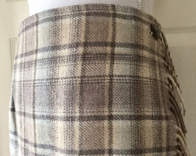 Vintage Woolrich Plaid Wool Blanket Maxi Skirt Wrap Around With Side Fringe Size Large PRISTINE CONDITION