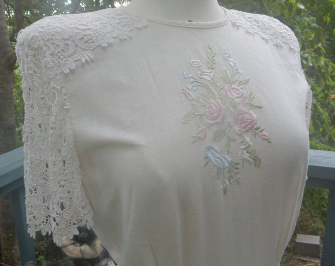 Vintage Cream Linen Tea Party Dress Size Small Lace Embroidery MINT CONDITION Wedding