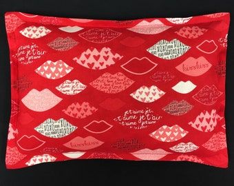 Novelty Corn Bags, Microwavable Heating Pad, Heat Packs, Spa Relaxation Gift, Hot Cold Therapy - Hearts and Lips