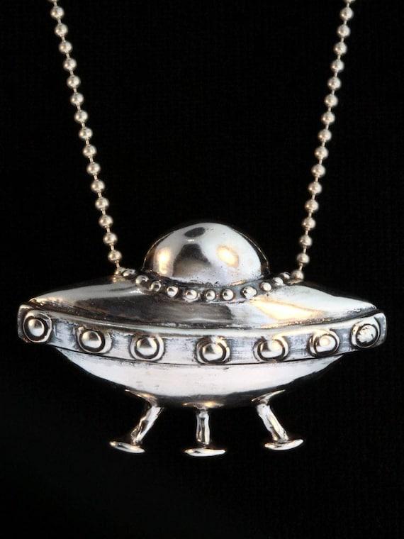 UFO Spaceship Charm Necklace Spaceship Charm Personalized Gift, UFO Alien Jewelry Alien Charm UFO Charm