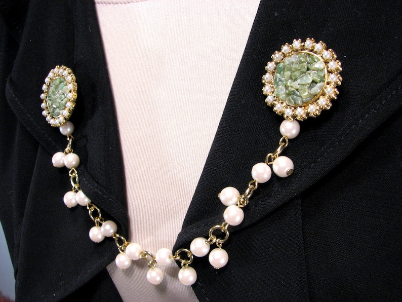Sweater Clip Upcycled Vintage Inspired Green Cluster Pearl Chain Collar Clip Cardigan Guard