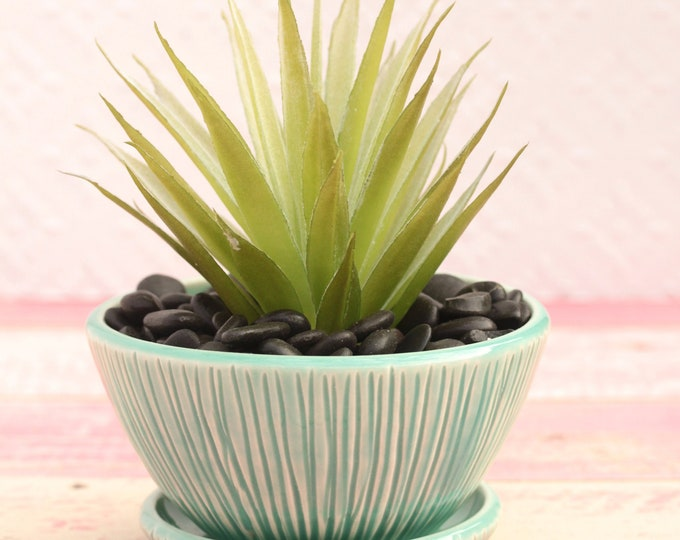 aqua planter // succulent pot // small plant container