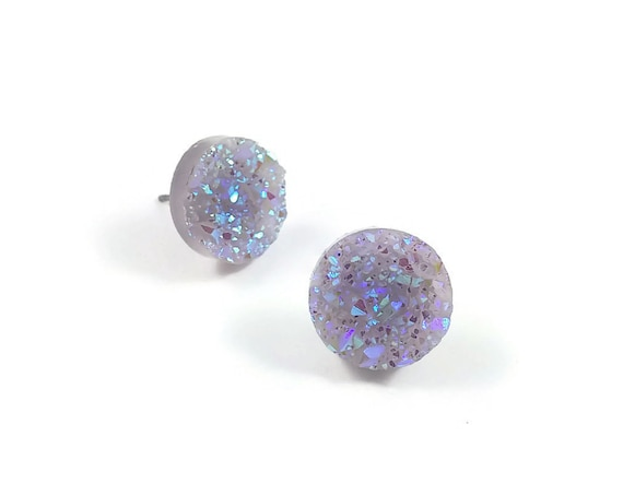 Mauve druzy stud earrings - Hypoallergenic pure titanium and resin