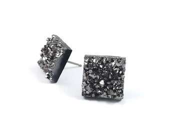 Silver grey druzy square stud earrings - Hypoallergenic pure titanium and resin