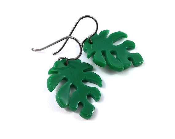 Monstera leaf dangle earrings - Hypoallergenic pure titanium and resin earrings