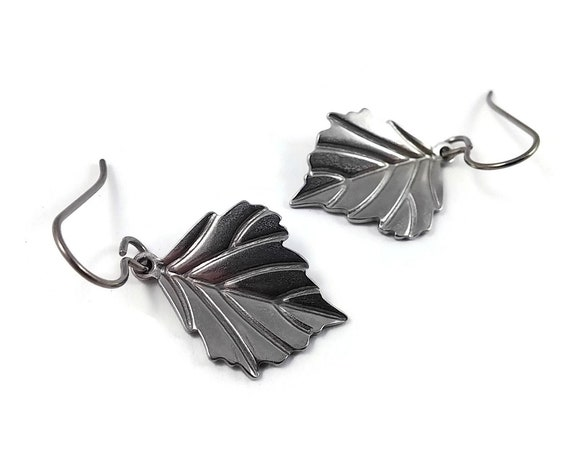 Leaf dangle earrings - Pure titanium and stainless steel