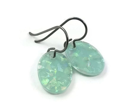 Mint green oval drop dangle earrings - Hypoallergenic pure titanium and resin earrings