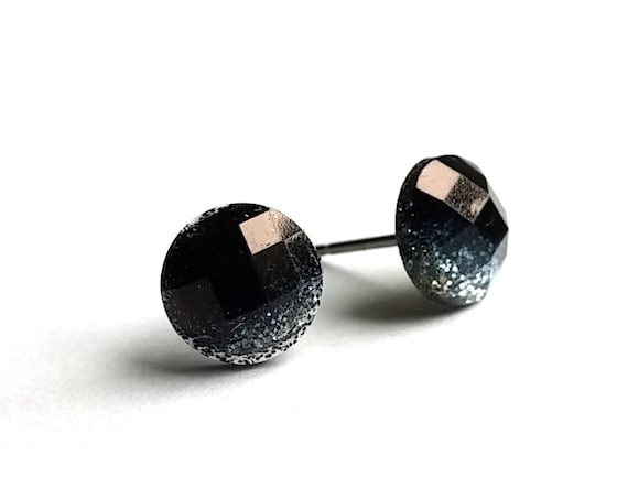 Black and silver faceted glitter stud earrings - Hypoallergenic pure titanium and resin