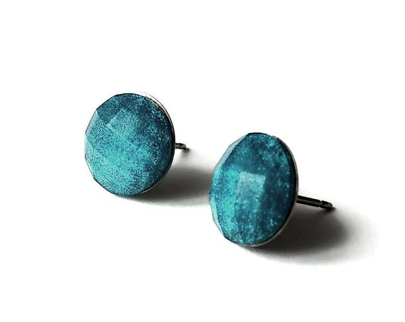 Peacock blue faceted glitter stud earrings - Hypoallergenic pure titanium and resin