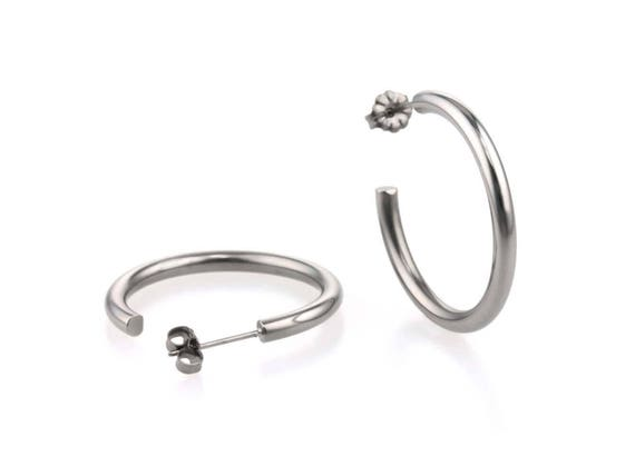 Large round hoop earrings, natural polished titanium 100% hypoallergenic for sensitive ear