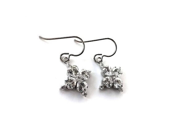 White crystal flower dangle earrings - Pure titanium, stainless steel and cubic zirconia