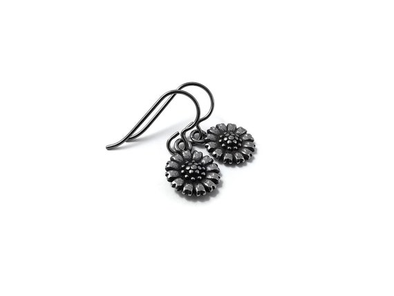 Small sunflower dangle earrings - Hypoallergenic pure titanium and stainless steel