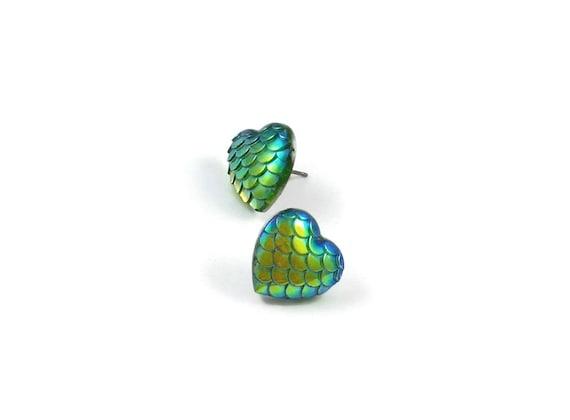 Heart of mermaid stud earrings - Sunny Ocean - Hypoallergenic pure titanium and resin