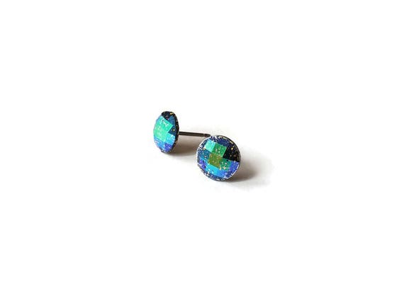 Blue iridescent faceted glitter stud earrings - Hypoallergenic pure titanium and resin