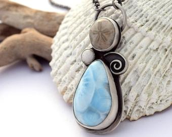 Unique, unique en son genre océan pendentif inspiré du collier, oxydé en argent, Larimar collier, collier Fossil, argent Sterling, bijoux de l'océan