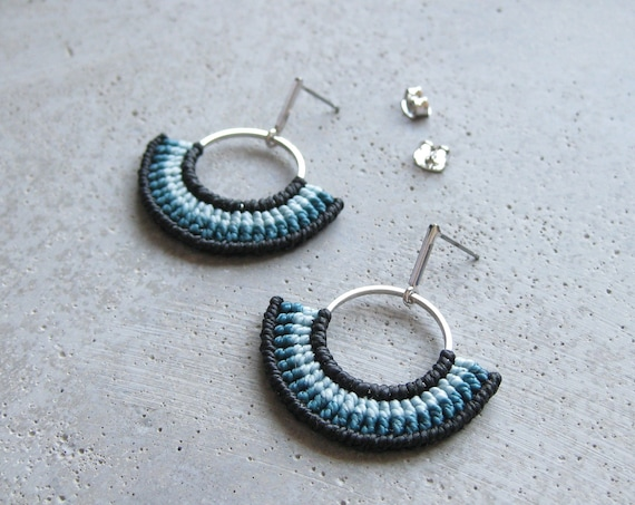 Half Circle Textile Hoop Earrings . Disc Earrings . Teal and Black. Macrame Earrings .  Fiber Earrings . Semicircle . Design by .. raïz ..
