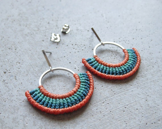 Textile Hoop Earrings Silver Macrame . Coral and Turquoise . Fiber Earrings . Semi Circle . Crescent . Design by .. raïz ..