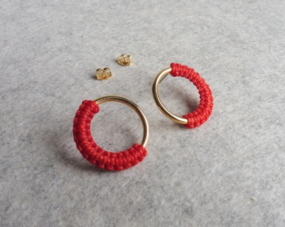 Red Circle Stud Earrings . Gold or Silver . Hoop Stud Earrings . Poppy Red . Modern Fiber Jewelry . Minimalist Geometric Macramé .. raïz ..