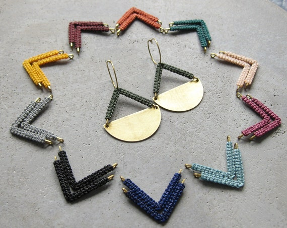 P e n d u l u m . Brass Disc Hoop Earrings with Geometric Micro Macramé Detail . © Design by .. raïz ..