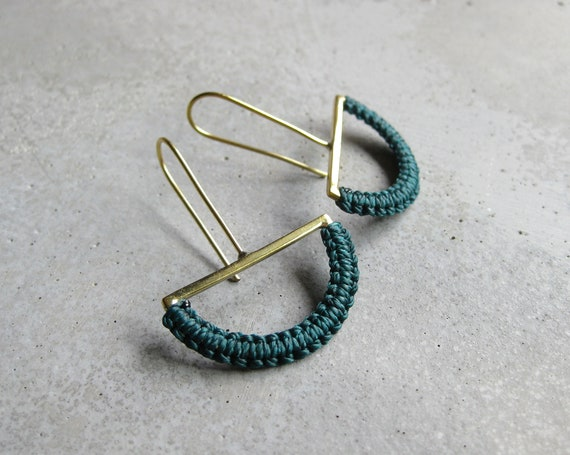 O L G A . Emerald Green on Brass . Semicircle Dangle Earrings . Modern Macrame Textile Jewelry  © Design by .. raïz ..