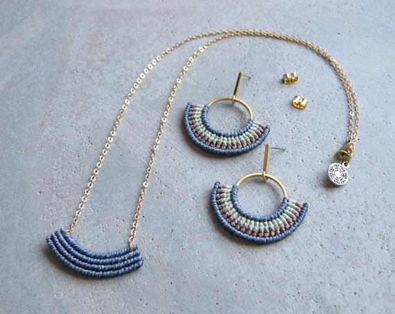 Necklace + Earrings Set . Modern Textile Jewelry . Modern Fiber Jewelry . Macrame Earrings . Gold Brass . Geometric . Design by .. raïz ..
