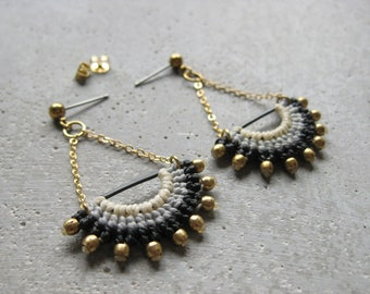 Fiber & Brass Dangling Earrings . Fan Earrings . Micro Macrame . Chain . Metal . Textile . Fibre Jewelry . Design by .. raïz ..
