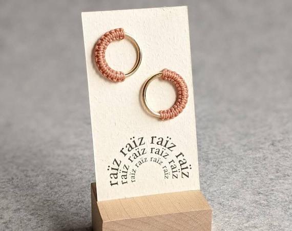 M E Ï A . Circle Gold Hoop Stud Earrings . Modern Fiber Jewelry . Micro Macramé .  © Design by .. raïz ..