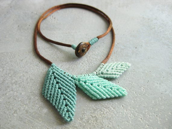 Leaf Necklace . Micro Macrame Design by .. raïz ..