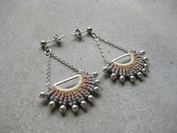 I N T I . Long Dangling Fiber & Metal Earrings . Micro Macrame © Design by .. raïz ..