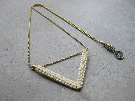 Chevron Brass Chain Necklace . Dainty Modern Minimalist Macrame . © Design by .. raïz ..