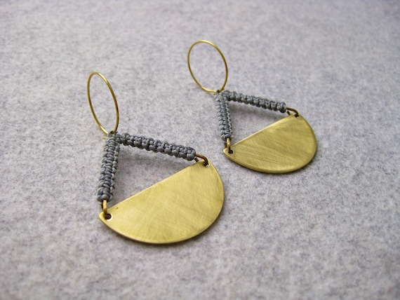 P e n d u l u m . Brass Disc Hoop Earrings with Geometric Fiber Detail . © Design by .. raïz ..