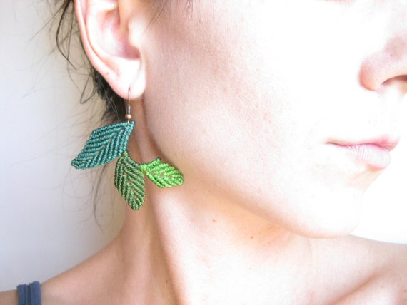 Leaf Earrings . Green Leaves Jewelry Botanical . Elven Woodland Natural . Macramé © Design by .. raïz ..