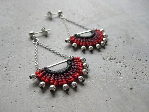 I N T I . Long Dangling Fiber & Metal Earrings . Micro Macrame © Design by .. raïz ..