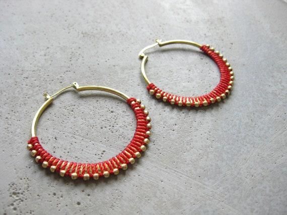 C A L Y P S O . Poppie Red Brass Hoop Earrings . Fiber Jewelry . Textile Jewellery  © Design by .. raïz ..