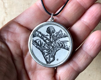 dandelion. botanical. adjustable necklace. black and white. vintage illustration. gufts for gardeners. vintage style. botanical. gifts.