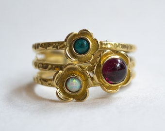 Yellow gold ring, Boho gold ring, brushed gold ring, multistone ring, birthstones ring, family ring, mother ring, flower ring - Guess RG1686