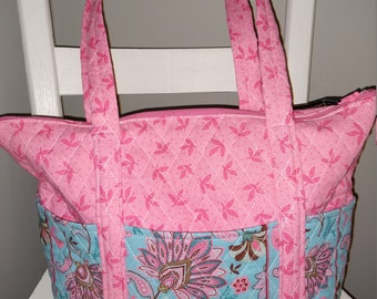 8bfe3d0d959f 12 Pocket Quilted Purse- Pink and Light Blue Floral- Similar to Vera Bradley  brand