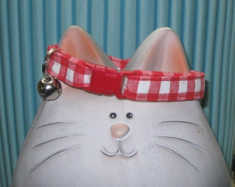 Breakaway Cat Collar, Safety Collar for Cats in Soft and Comfortable Cotton Fabric, Nonirritating, Red White Gingham Plaid, Adjustable Sizes