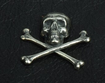 Skull and Crossbones Charm, 30mm,  Jolly Roger, Classic Silver, pack of 6 15256CS
