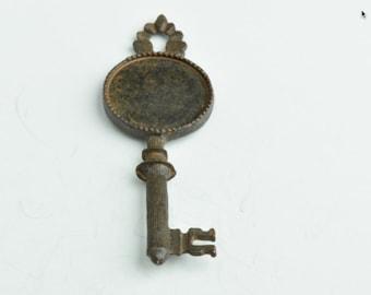 Rustic Skelton Keys , 63mm Vintage Skeleton Key, Bezel Setting , 2 ea,, 05428RU