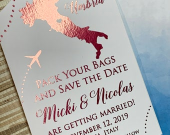 Foil luggage tag save the date. Luggage tag save the date. Italy save the date. Foil save the date. Italian save the date.