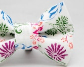 Dapper Cat Flowers on White Pattern Cat Bow Tie