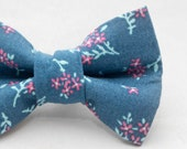 Dapper Cat Blue Floral Pattern Cat Bow Tie